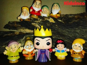 Snow White, the Evil Queen, and the Seven Dwarves are in the forest