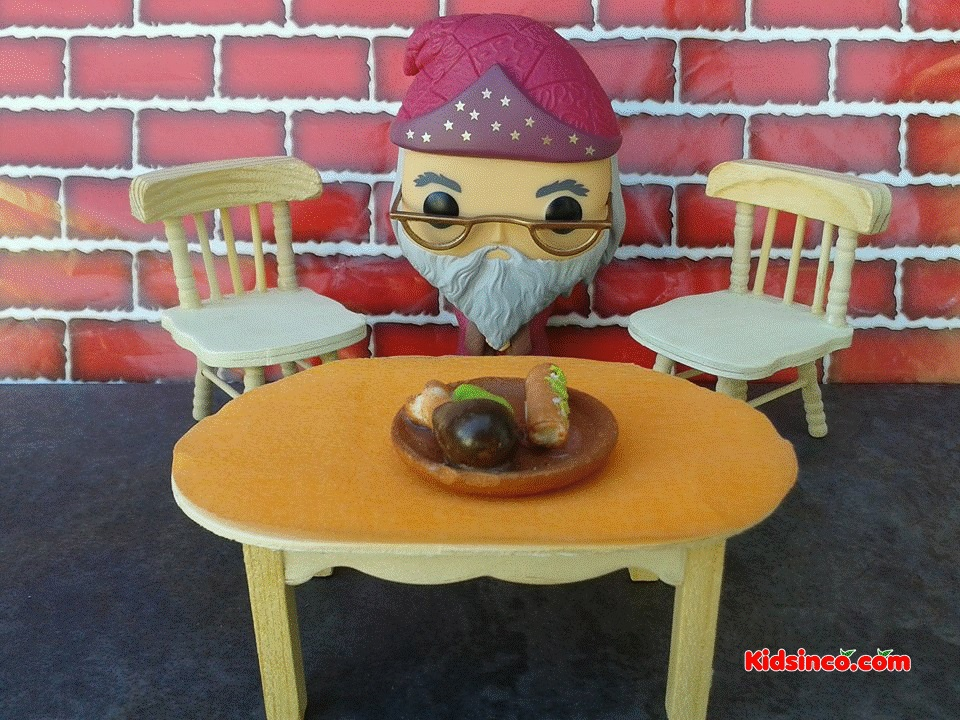 dumbeldore_old-man_table_chairs_funko_kidsinco