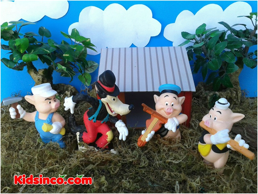 The Three Little Pigs_wolf_forest_Disney_100 years of Disney McDonald_McDonald toys