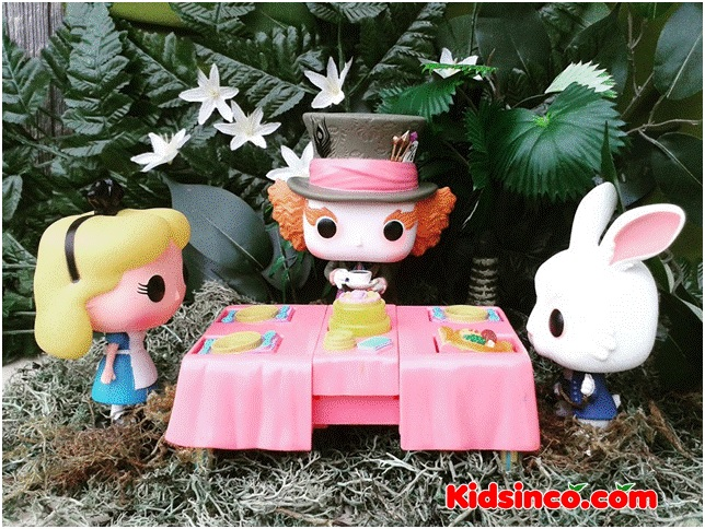 tea_party_alice in wonderland_hatter_rabbit_table_forest_funko_funko pop
