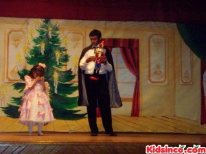 Herr Drosselmeyerfixes the Nutcracker - 9
