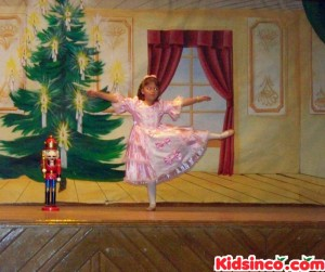 Marie dances with the Nutcracker - 10