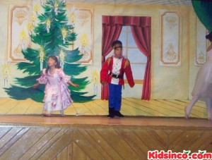 Marie dances with the Nutcracker - 23